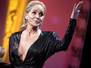 Sharon Stone habla de las secuelas de su ictus: «Tuve que volver a aprender a andar, a leer y a escribir»
