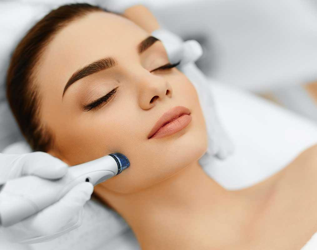 Preparar la piel previamente en cabina y en casa es fundamental para obtener los mejores resultados