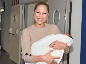 Así son los domingos de Pastora Soler como madre de dos hijos