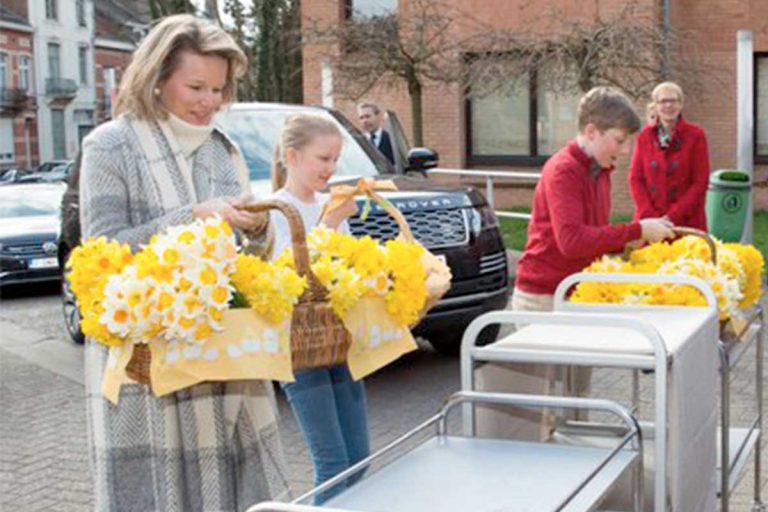 El tierno gesto de Matilde de Bélgica y sus hijos con los mayores recluidos por el coronavirus