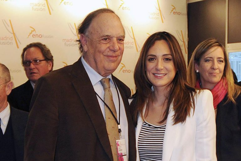 Tamara Falcó se enfrenta a su peor pesadilla tras la muerte de su padre por coronavirus