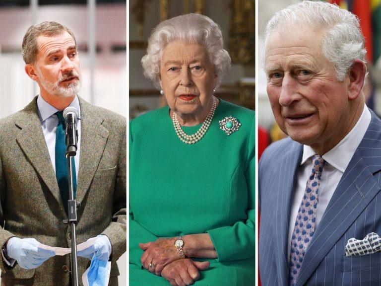 La conversación del rey Felipe con Isabel II y el Príncipe Carlos de Inglaterra