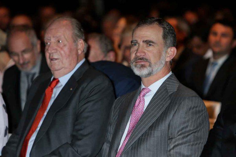 Polémica con el rey Felipe por no presentar las cuentas en las que retira la paga a su padre