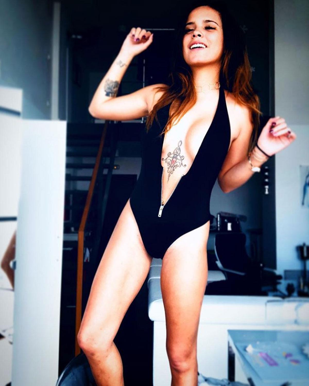 Gloria Camila 17