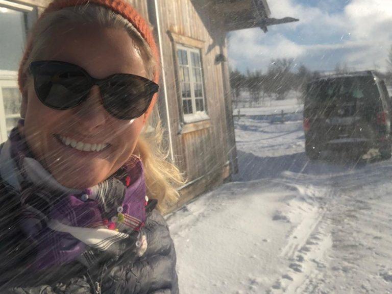 Mette Marit se juega la vida al saltarse la cuarentena del coronavirus para ir a esquiar