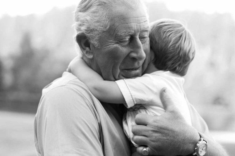 La adorable foto del abuelo Carlos de Inglaterra tomada por su nuera Kate