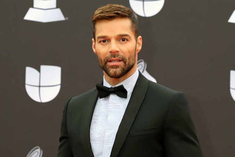 Ricky Martin presenta a su cuarto hijo, un niño llamado Renn Martin-Yosef