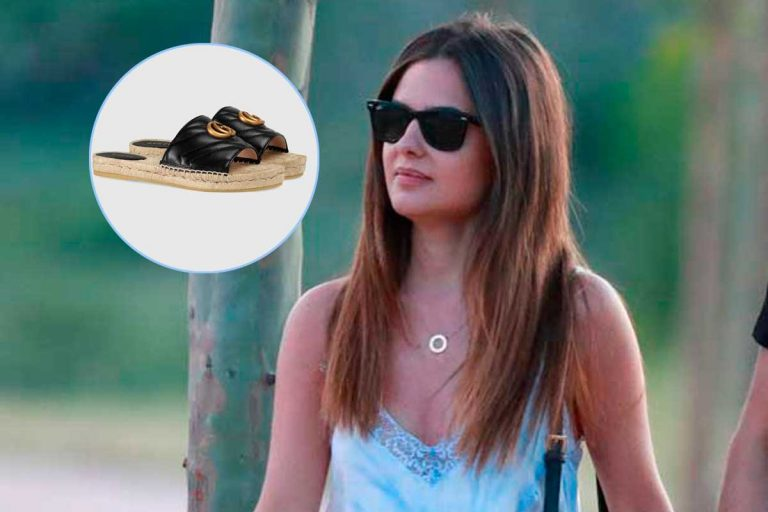 Alexia Rivas pasea con unas alpargatas de 450 euros