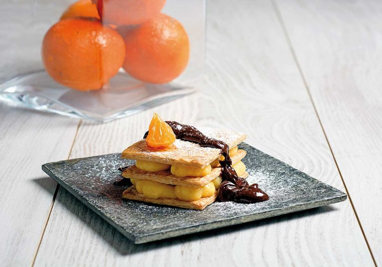 Hojaldre de mandarina con crema de chocolate