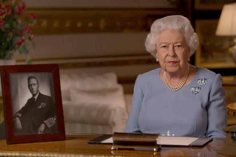 El homenaje de Isabel II a su padre en el 75 aniversario del final de la Segunda Guerra Mundial