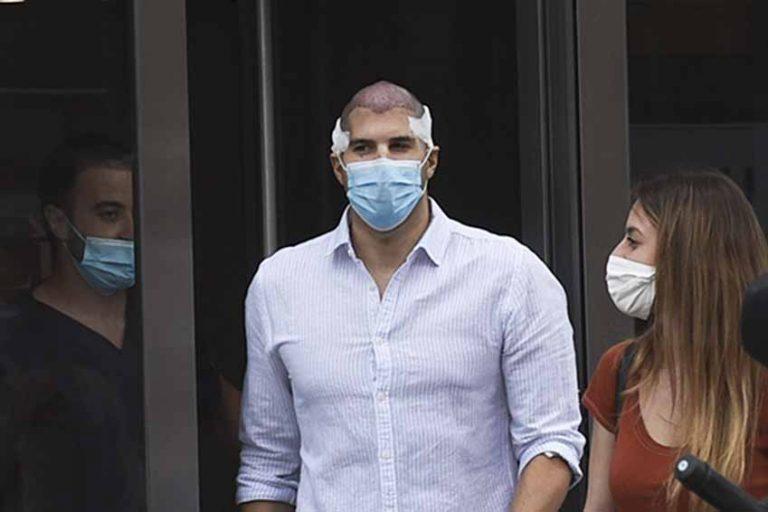 Julián Contreras se somete a un trasplante capilar