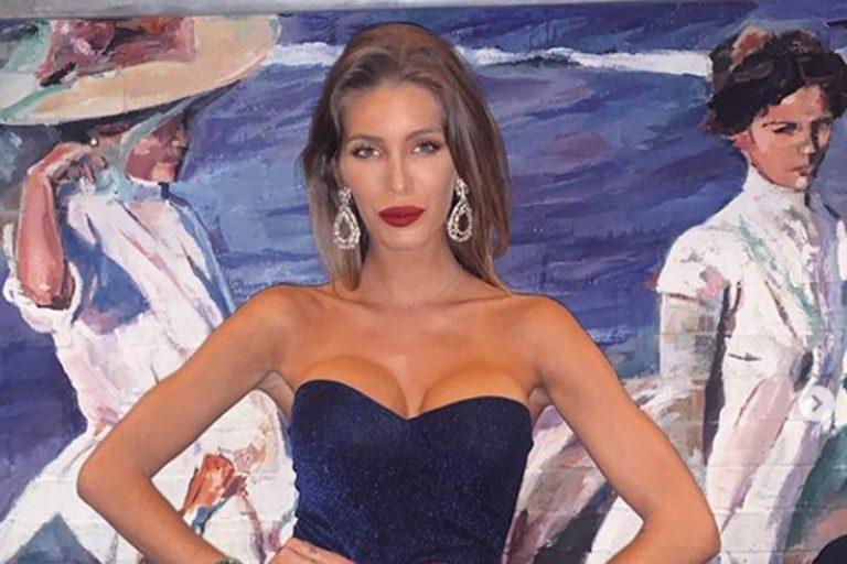 Marta López, la novia de Kiko Matamoros, muestra el resultado de su operación de pecho