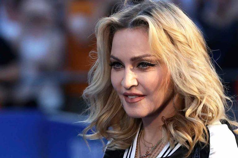 Madonna desvela que ha superado el coronavirus y dona un millón de dólares para la vacuna