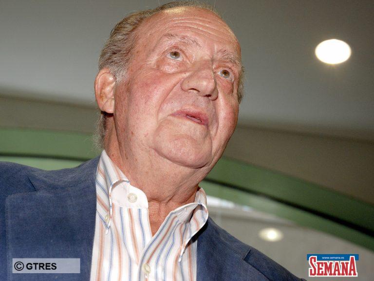 El rey Juan Carlos abandona el palacio en plena polémica para ir al hospital