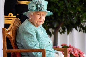 La reina Isabel II suspende el acto en el que se vería las caras con el príncipe Harry y Meghan Markle