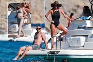 Marta Castro presume de embarazo en Ibiza con Laura Matamoros como testigo