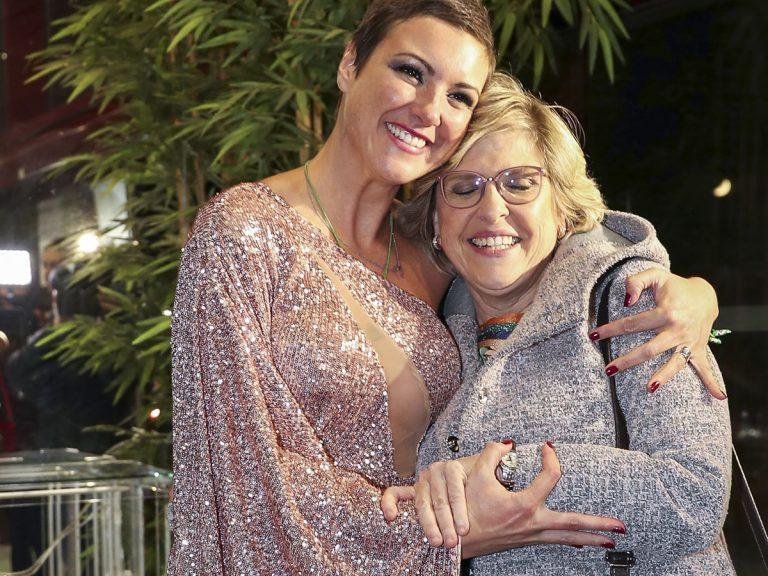María Jesús Ruiz y su madre, Juani, llegan a Madrid en mitad de la polémica