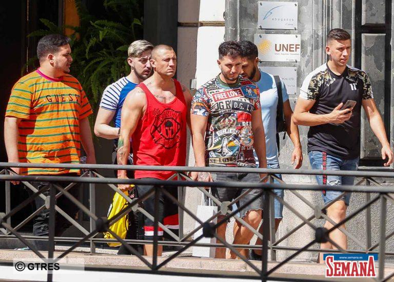 Omar Montes celebra su 32 cumpleaños con su pandilla de amigos
