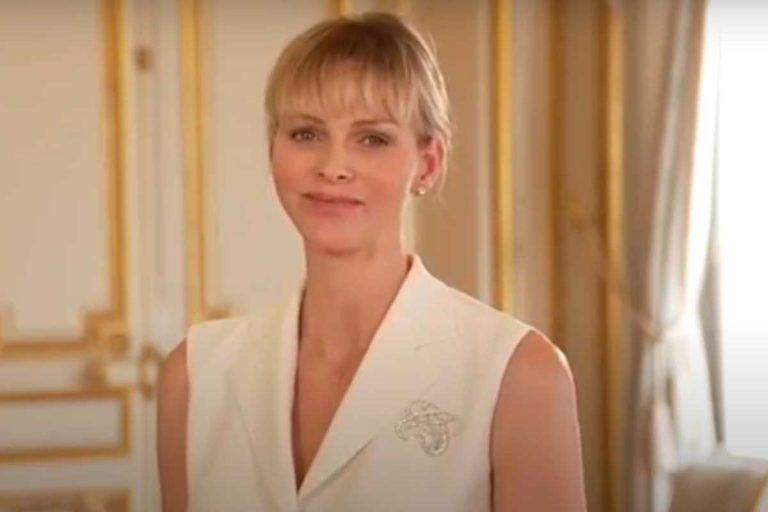 Charlène de Mónaco rejuvenece con un truco (barato) tras el confinamiento