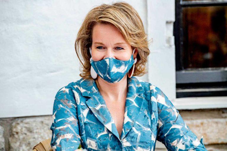 Matilde de Bélgica se suma a la tendencia en alza: así llevan las royals la mascarilla