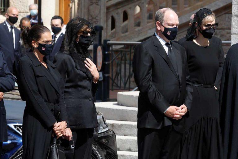 La Familia Real de Mónaco, de luto, llora en el funeral de su querida prima