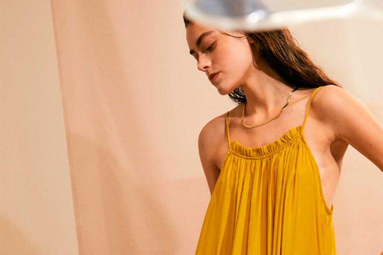 Las prendas más bonitas del verano están en Slow Love, la tienda de Sara Carbonero