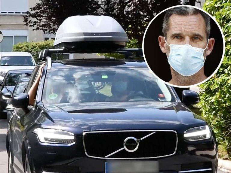Iñaki Urdangarin y la Infanta Cristina salen de su casa de Vitoria con el coche cargado