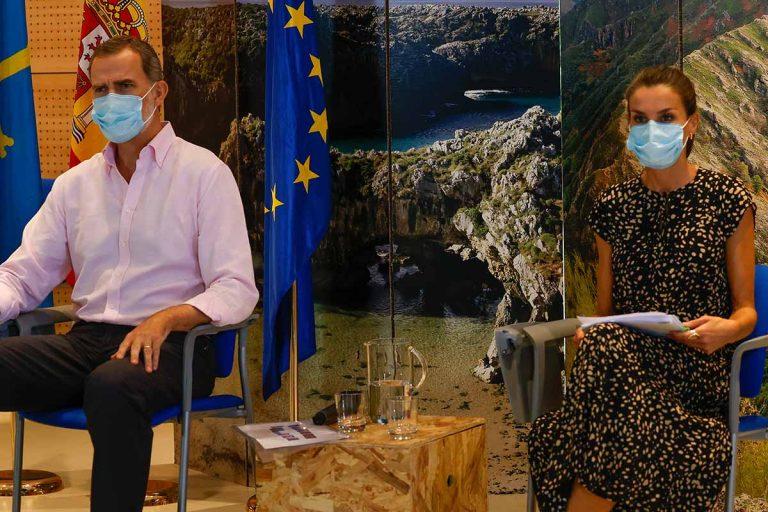 Los Reyes, don Felipe y doña Letizia, cierran su gira por España en Asturias