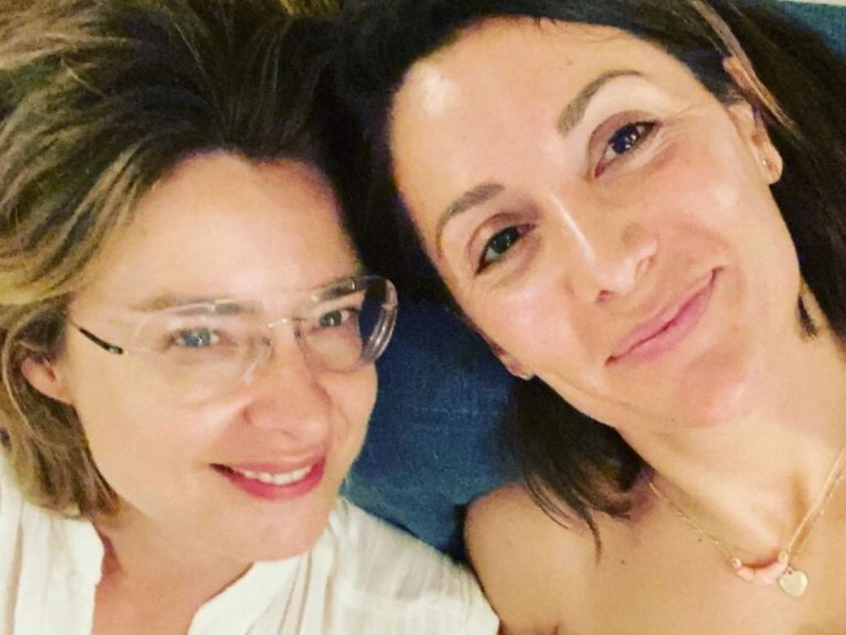 Sandra Barneda y Nagore Robles se reencuentran: Risas, confidencias y muchos besos