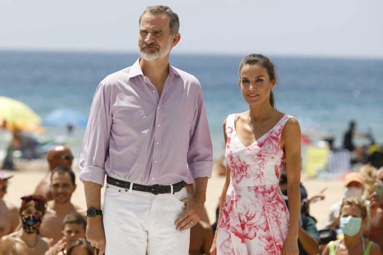 Los Reyes Felipe y Letizia, turistas de lujo en Benidorm