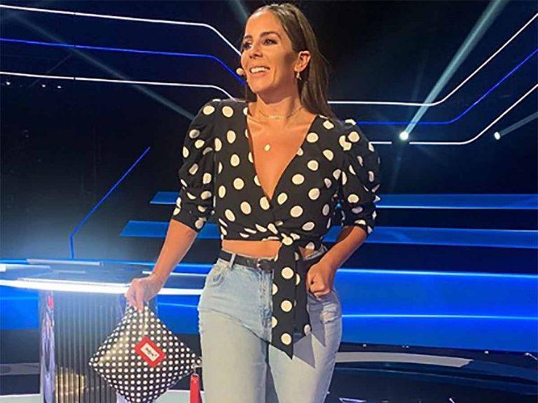 Anabel Pantoja, con la blusa todoterreno del verano ( y por 15 euros)