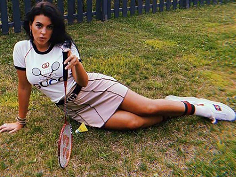Georgina Rodríguez juega al bádminton con un look de más de 2.000 euros