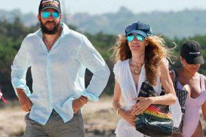 Blanca Cuesta y Borja Thyssen, vacaciones en Ibiza tras no acudir al funeral de su padre