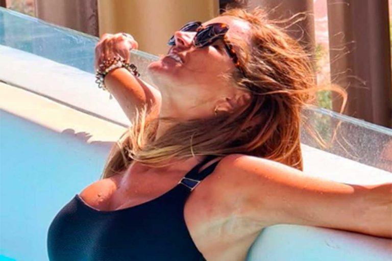 Marta López confirma que necesitamos un bañador negro en la maleta