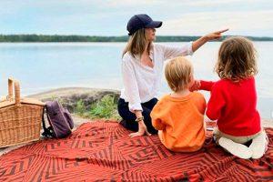 Las originales vacaciones de Carlos Felipe y Sofía de Suecia con sus hijos
