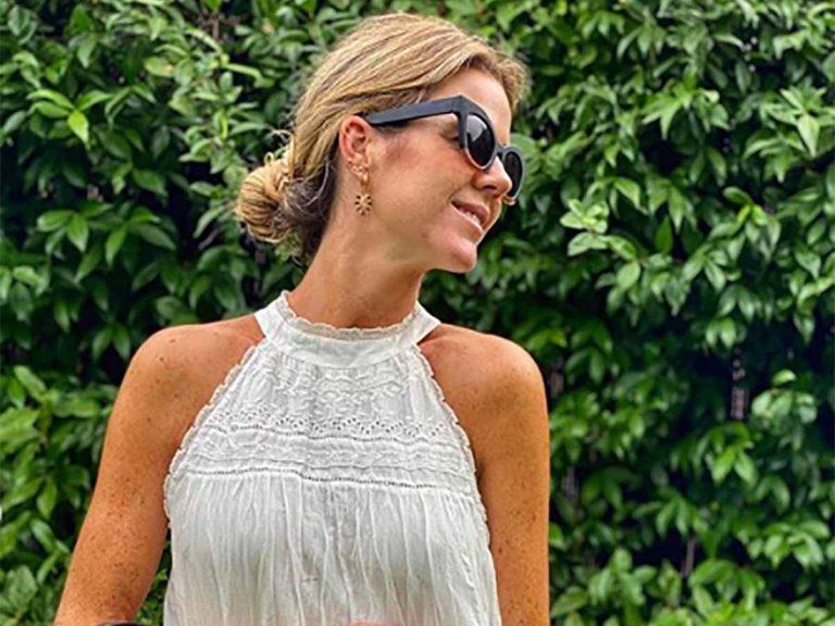 Amelia Bono tiene el vestido blanco básico del verano que vas a querer