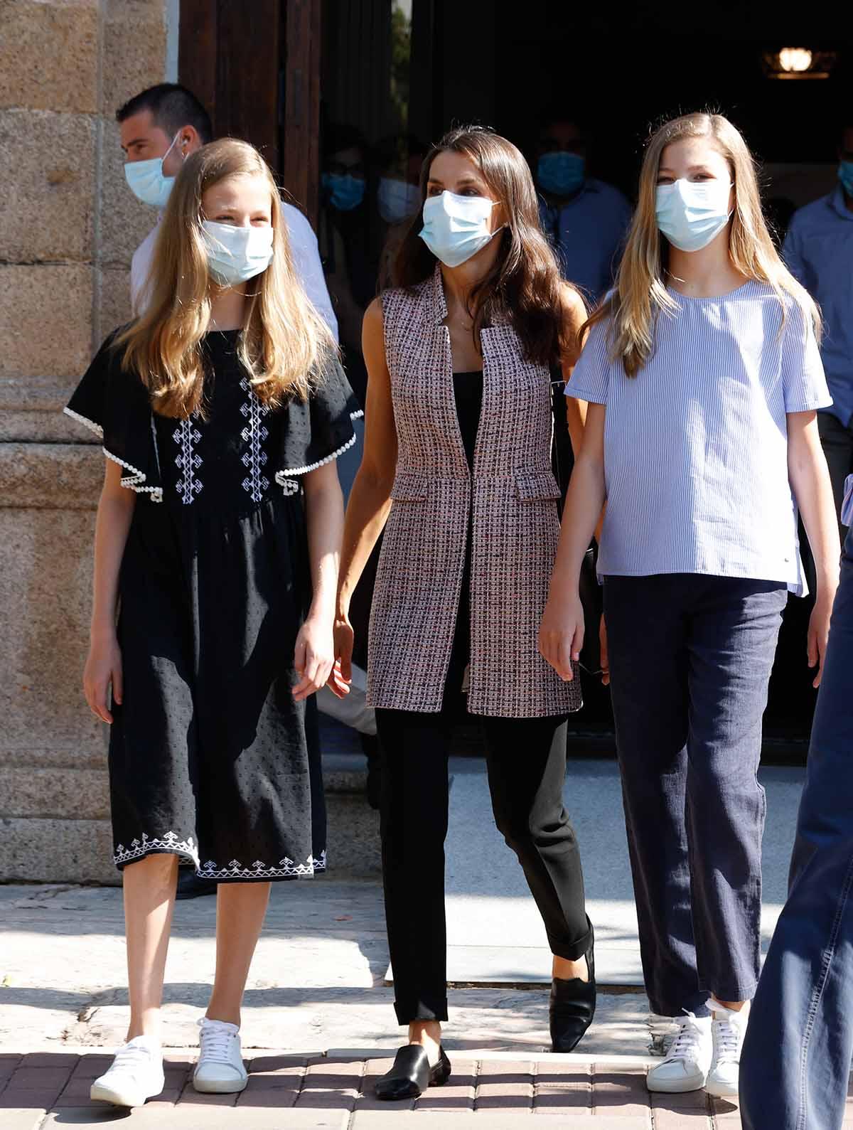Queen Letizia Ortiz with daughters Princess of Asturias Leonor de Borbon and Sofia de Borbon  leaving Merida Parador in Merida