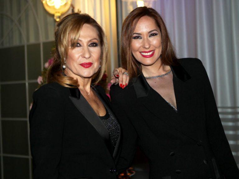 Rosa Benito y Chayo Mohedano: Duelo de estilo como invitadas a una comunión