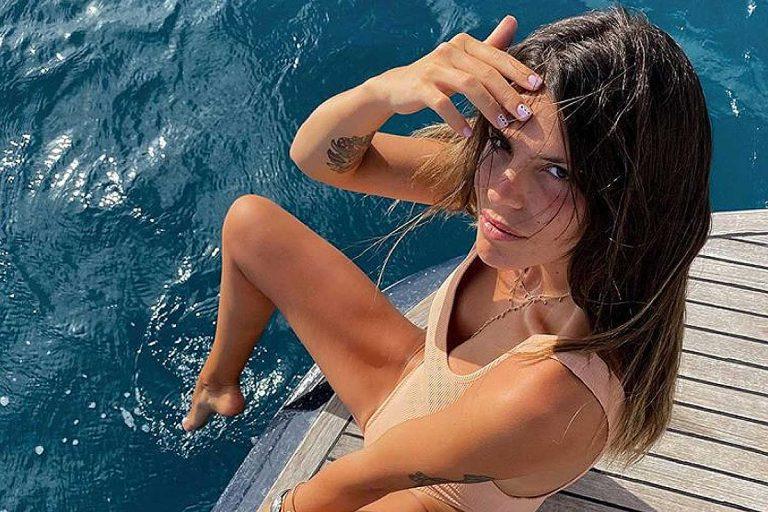 Laura Matamoros se pone sexy en su imparable verano: todos sus posados