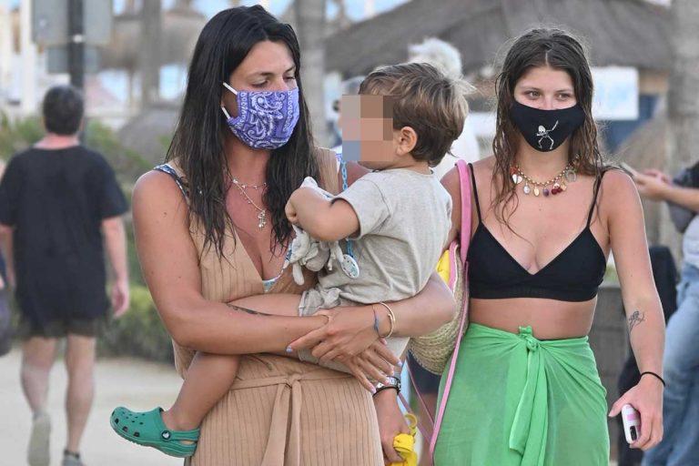 Todas las fotos del reencuentro de Laura Matamoros y Anita Matamoros (ahora en Marbella)