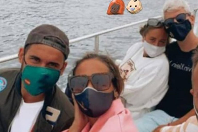 Gloria Camila Ortega y Rocío Flores, días de desconexión en Galicia