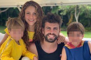 Shakira olvida sus problemas con Hacienda y se pega unas vacaciones de lujo con Piqué en las Bahamas