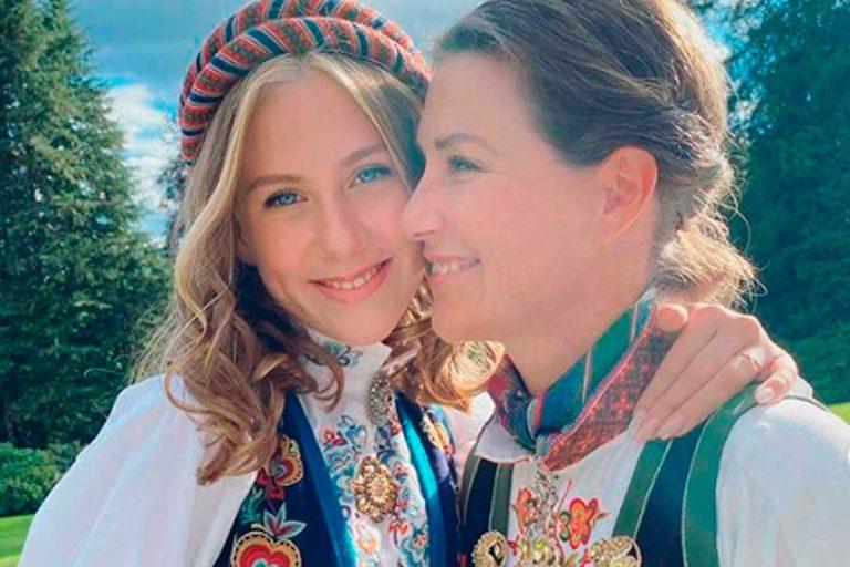La hija 'influencer' de Marta Luisa de Noruega recibe su Confirmación