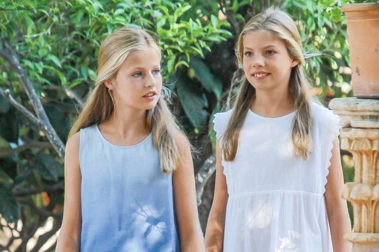 Leonor y Sofía este año debutan en Mallorca trabajando