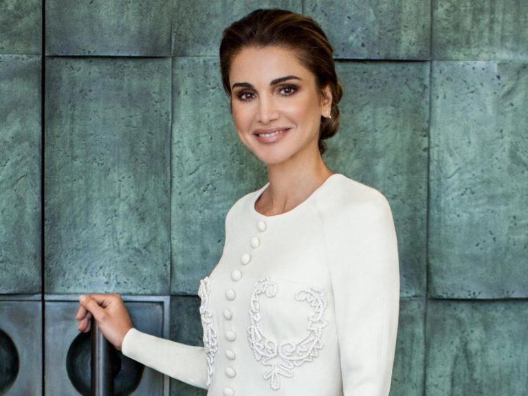 Rania de Jordania, radiante en el posado de su 50 cumpleaños
