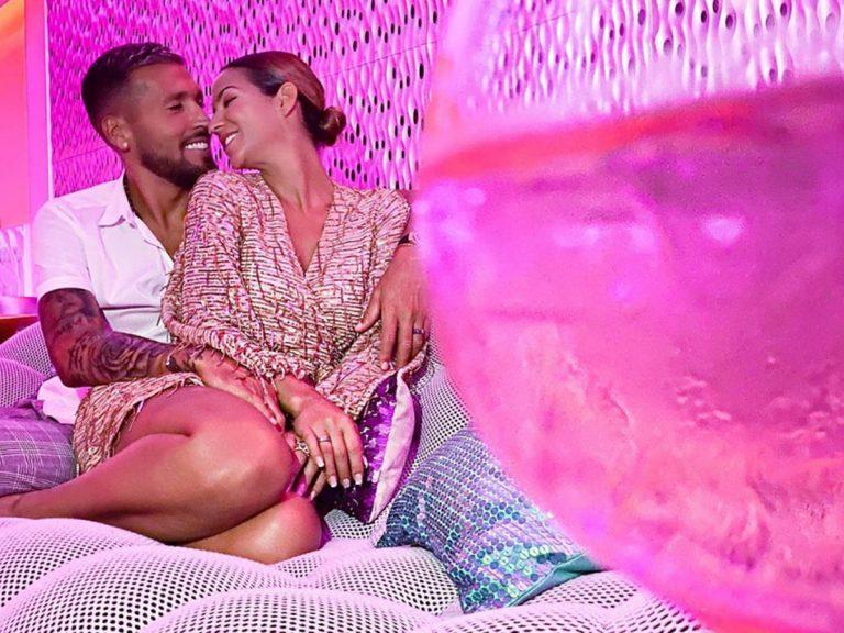 Tamara Gorro, desnuda en la cama con su marido, Ezequiel Garay, por su décimo aniversario