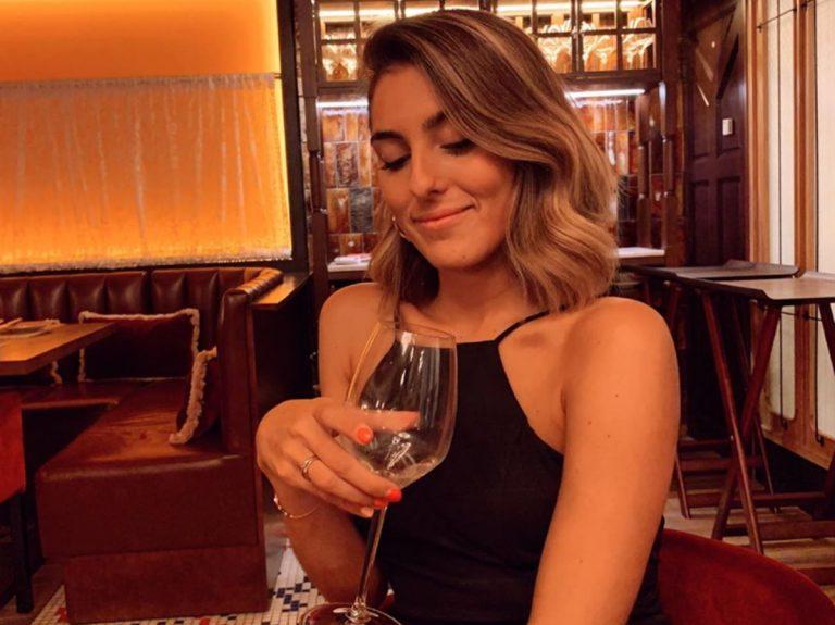 ¿Cómo se peina Anna Ferrer Padilla para ir a una fiesta?