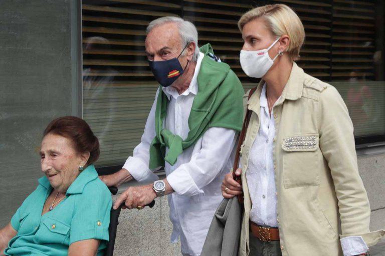 María Zurita celebra su 45 cumpleaños acompañada de su familia