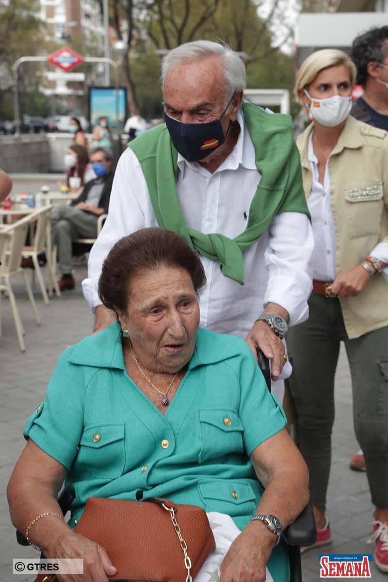 MARIA ZURITA CELEBRA SU 45 CUMPLEAÑOS RODEADA POR SU FAMILIA