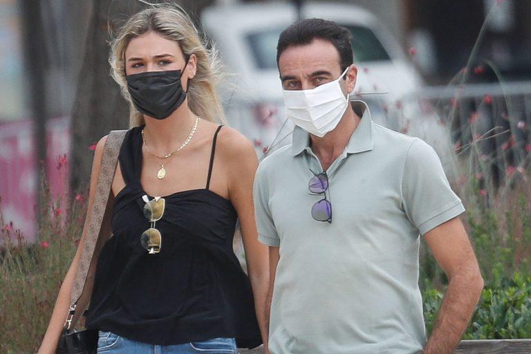Enrique Ponce y Ana Soria pasean su amor por las calles de Nimes